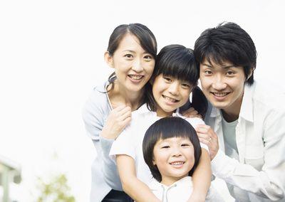 カイロプラクティックは子どもからお年寄りまで、幅広い症状に対応しています。